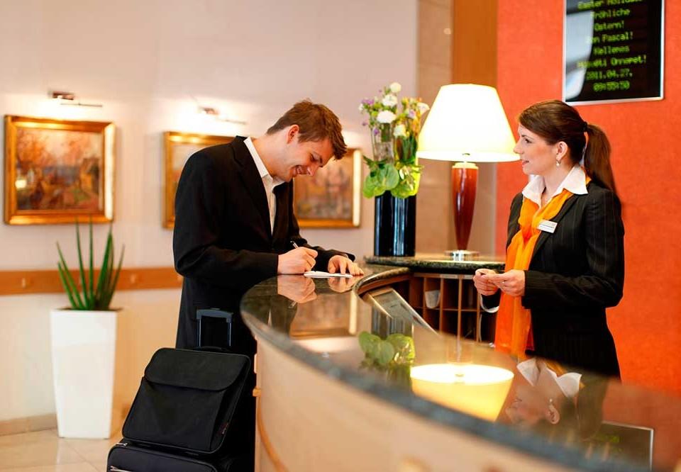Reception-job